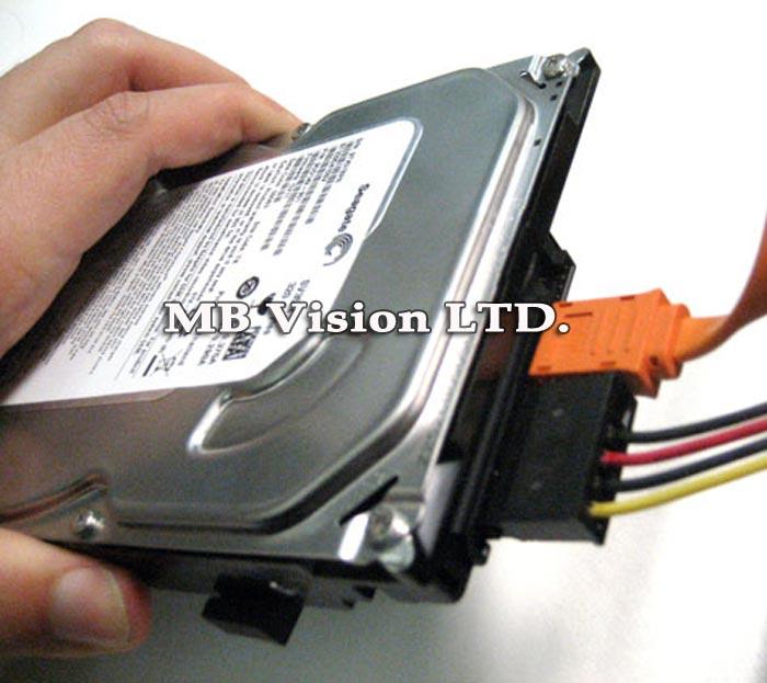 Как да инсталирам хард диск в DVR?