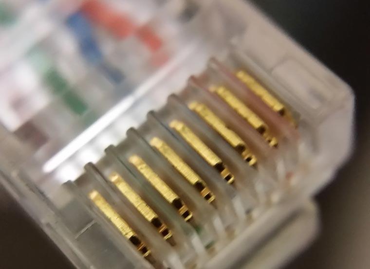 Как се кримпва RJ45 конектор за LAN кабел